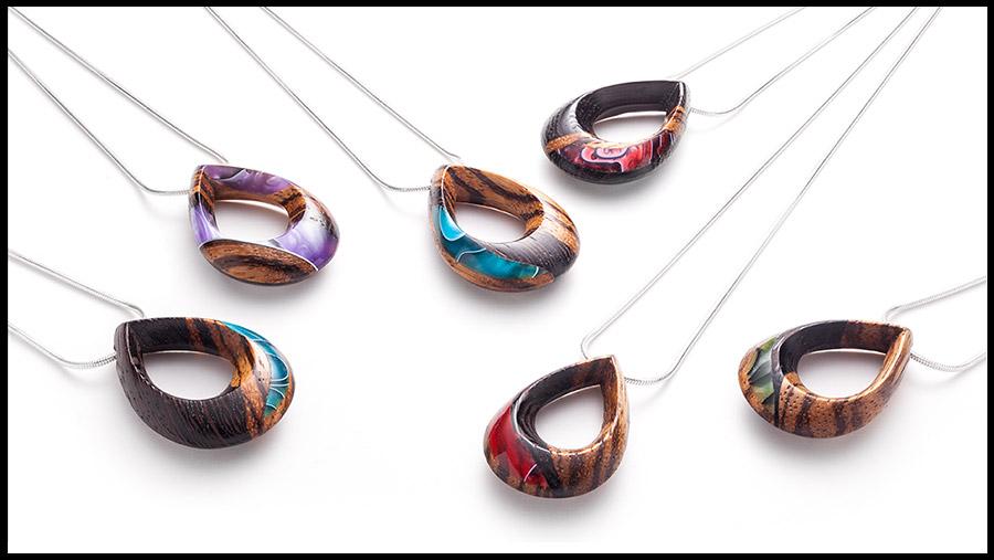 Colliers en bois exotiques, différentes couleurs