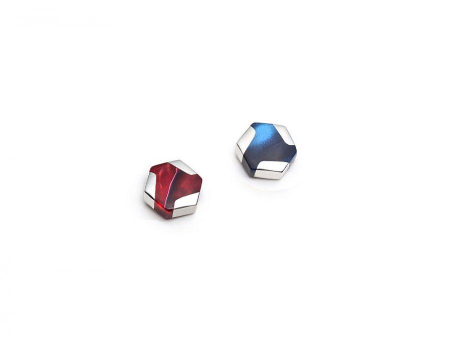 Boucles d'oreilles mini hexagonales dépareillées